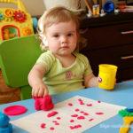 Чем заниматься с детьми 2 лет дома – 115 идей