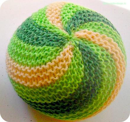 Как связать на спицах мячик